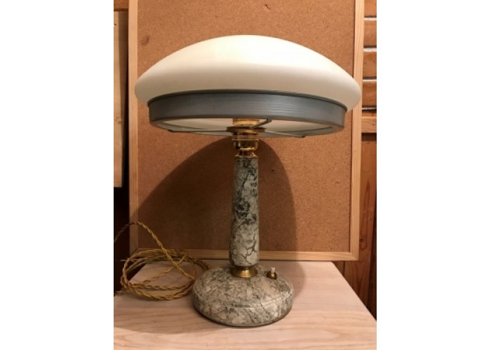 Настольная лампа мраморная, большой белый плафон