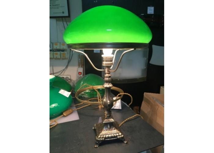 Настольная лампа с зеленым плафоном, литьё бронза.